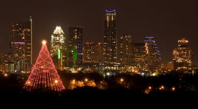 Enjoy kettle corn and hot chocolate under Zilker Christmas tree through Jan 1