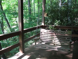 Maggie Valley cabin photo - Relax in the swing