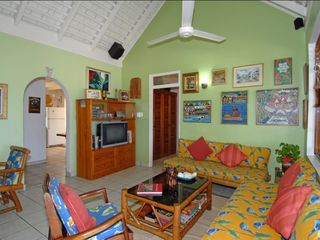 Silver Sands Jamaica villa photo - Living Room towards kitchen