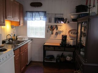 Wellfleet cottage photo - Kitchen....