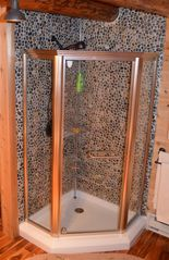 Lake Placid cabin photo - Shower