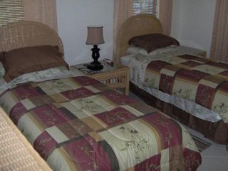 Long Island villa photo - Twin or King Bedroom