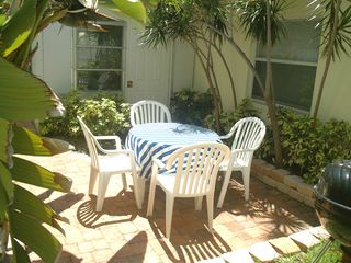 Pompano Beach apartment photo - Lovely Back yard