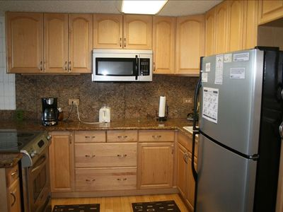 Luxury granite and stainless steel kitchen that you will enjoy cooking in.