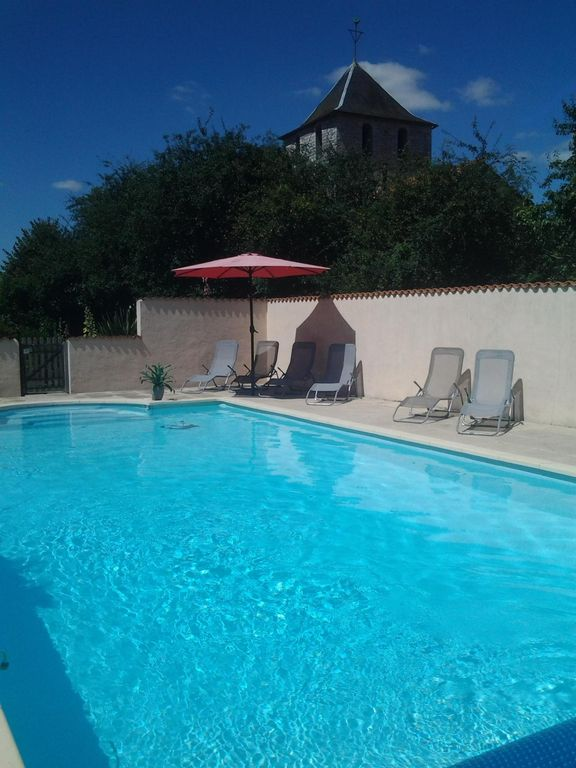 Charming Charentais Gite, Barn Conversion With Elegant Pool