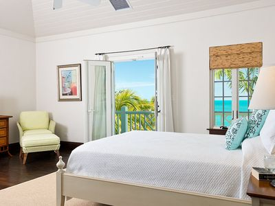 Providenciales - Provo villa rental - Second bedroom suite with walk-out patio access