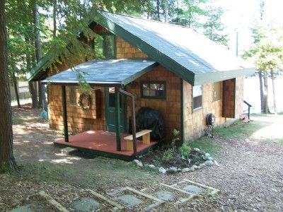Lakefront cottage hot tub boats dock homeaway for Northern michigan cabin rental