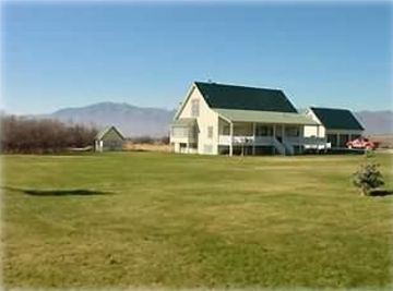 Heber City house rental - View of Jake's Place from the front lawn