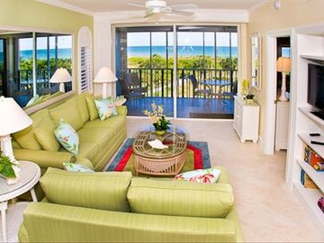 Sanibel Island condo rental - Living room with sleeper sofa
