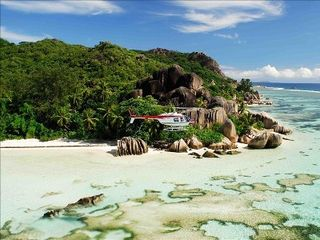 Seychelles villa photo - .
