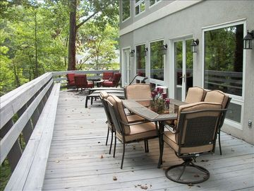 Large Deck with Lake Views, Lounges, Bar BQ, Fire Pit & Table