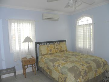 Queen Bed with private balcony and Queen Bed