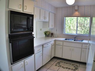 Sanibel Island condo photo - Modern fully furnished Kitchen with natural lighting