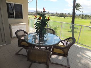 Waikoloa Beach Resort condo photo - Lanai dining - view of Mauna Kea and golf course.