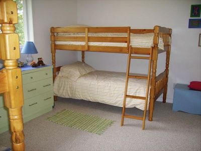 Guest Bedroom 3: Two sets of bunk beds