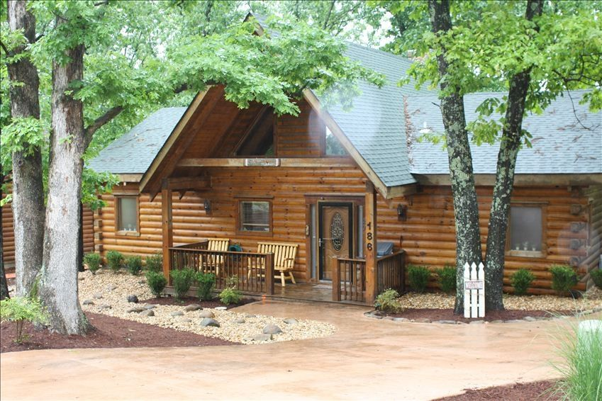 39 dogwood 39 log home expansive wooded deck vrbo for Dogwood cabin