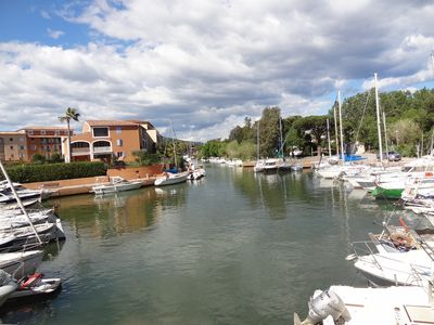 nice apartment on marina boat in calm for 4 people
