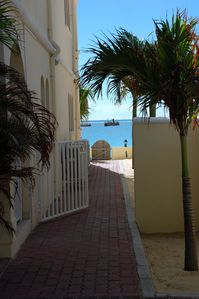 Simpson Bay condo rental - Direct access to beach