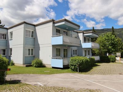 Apartments on the south shore of the Ossiacher lake with direct lake access