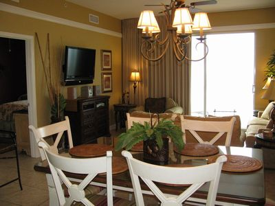 Beach Retreat 411 Direct Gulf Views & Flat Screen TV's