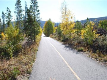 Bike/rec. path is 100 yds away w/access to Breckenridge (9mi) & Copper (7mi)