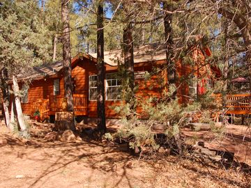 Pine cabin rental - Cedar House - Welcome To The Woods