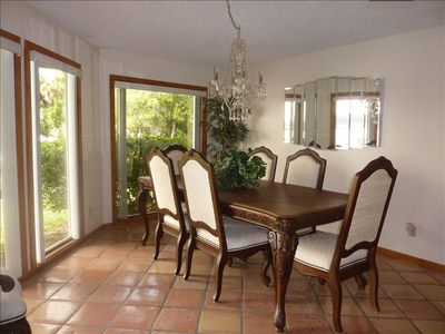 Homosassa house rental - Large dining room that will accomodate up to 8 people.