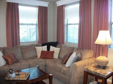 Mesa townhome rental - Comfy Sectional Sofa in the Living Area