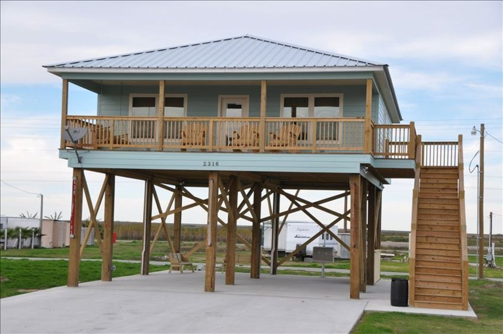 Comfort and recreation seaside vrbo for Fishing camps for rent in louisiana