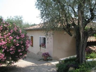 Charming small villa in olive complantée property