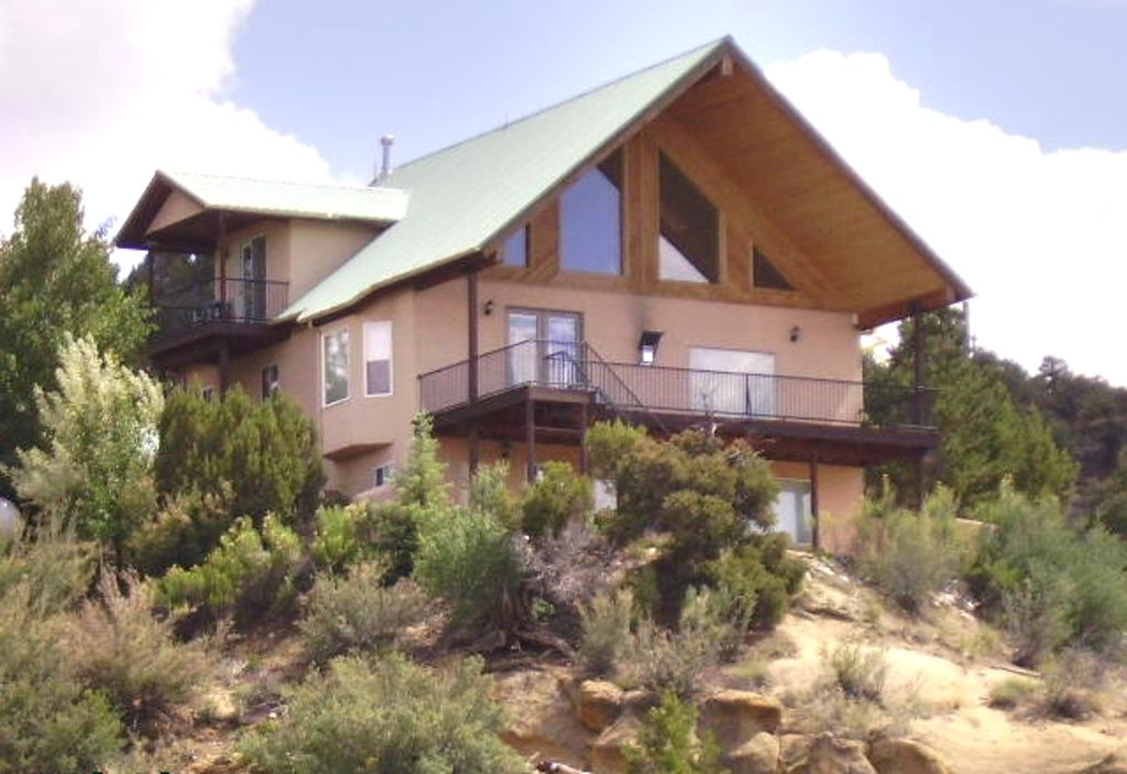 Secluded Animas River View Retreat