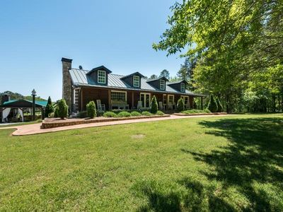TOP CHOICE 2016 - The Lodge at Guidestone Hills near Serenbe, Dunaway, & Foxhall