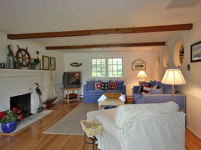 St. Michaels cottage rental - Living Room with propane fireplace