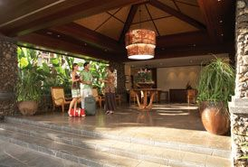 Aina Nalu lobby - Lahaina condo vacation rental photo