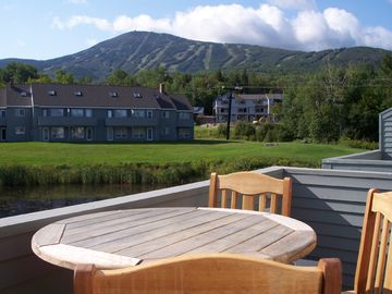 Sunny Deck w views of Sugarloaf, Pond, Chairlift!