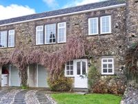 2 DALEGARTH, pet friendly, with a garden in Buckden, Ref 26409