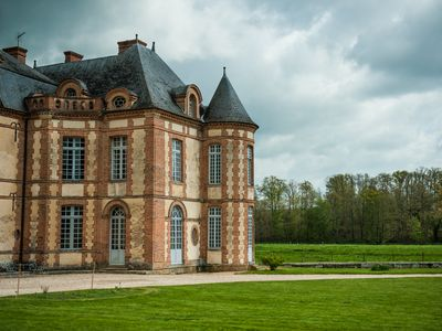 Castle 1 hour from Paris, 15 rooms