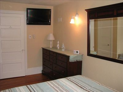2nd floor front queen BR w/flat screen TV