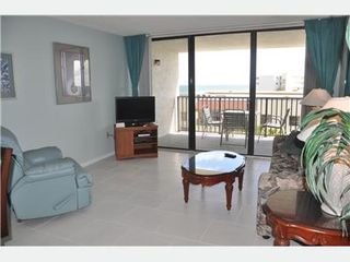 Cape Canaveral condo photo - Spacious Living room
