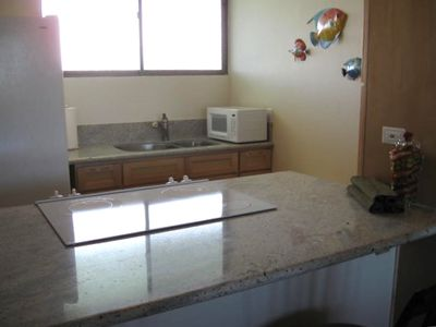 Keaukaha condo rental - Newly remodeled Kitchen with new Granite countertops and maple cabinets