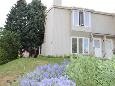 Large West Vail Townhome steps from bus stop - sleeps 8 - open floor plan