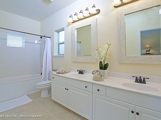 Crystal Beach house photo - Master bath with 2 sinks and a jetted tub