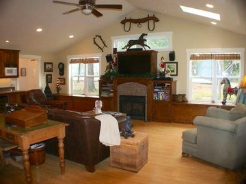 Murphys house rental - Family room with HD TV. Looking onto the tennis and basketball courts.