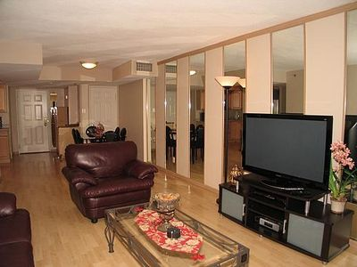 Beautiful Living Room with an IPOD Docking Station and a Blue Ray Player.