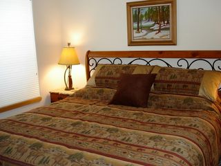 Silverthorne townhome photo - Lower Level Bedroom w\ 3rd King Bed
