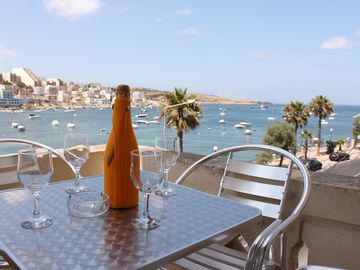BH1-Seafront 2 Bedroom apt. with Terrace in St Paul`s Bay . Easy parking/Buses.