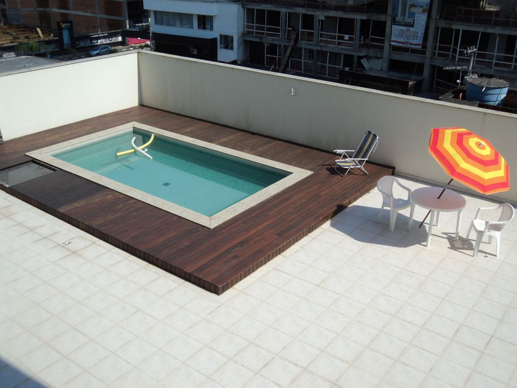 Apartamento central com piscina 250m do mar 920791 for Piscina u central