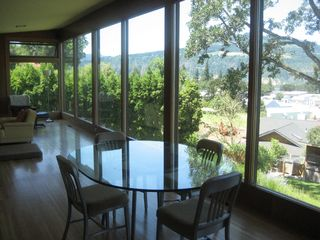 Hood River house photo - Dining