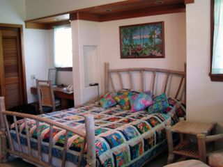 Anini Beach house photo - Front lanai bedroom with queen and built-in desk