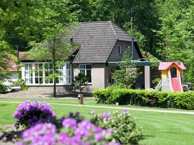 Luxury villa in a holiday park with a pool, in a beautiful area